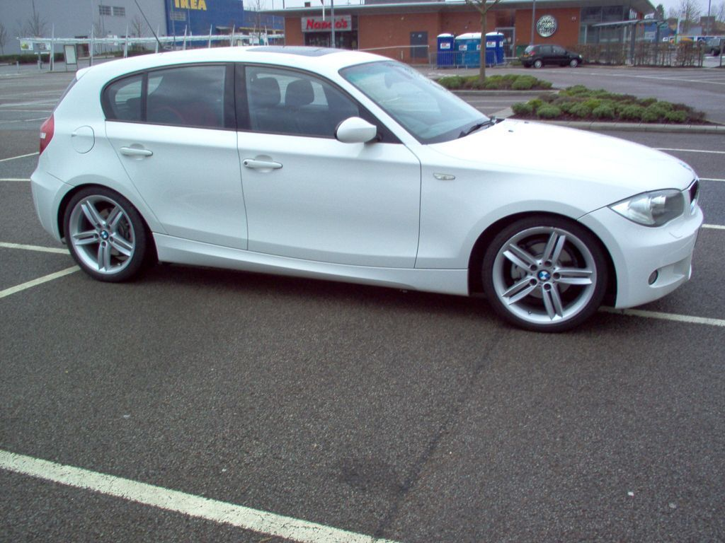 bmw 1 series m sport 118d manual in white rare model with sunroof in eastwood nottinghamshire. Black Bedroom Furniture Sets. Home Design Ideas