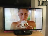"""32"""" LG LED HD TV"""