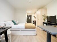 BRONZE ENSUITE RENTAL ROOM FOR STUDENTS IN DURHAM WITH SMALL DOUBLE BED, PRIVATE ROOM & BATHROOM.