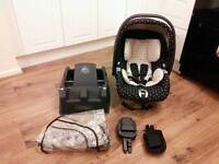 Mamas & Papas car seat, base, adapters and rain cover fits m&p prams/ pushchairs