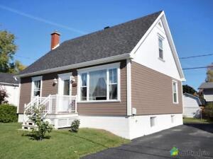 242 000$ - Maison à un étage et demi à vendre à Lévis