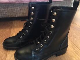 Zara boots size 5