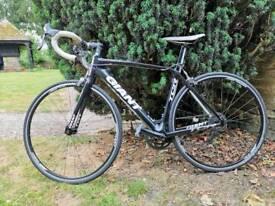 Giant TCR composite 2 medium carbon fibre bike