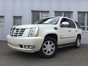 2011 Cadillac Escalade AWD, BLUETOOTH, NAVIGATION