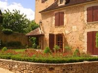 Experienced gardener required in large estate Dordogne FRANCE. Self motivated to work in a team.