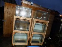 6 Fish Tanks With 2 Stands