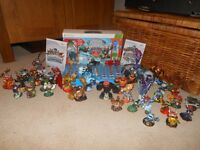 Skylanders bundle Wii and Xbox 360 games and figures RARE TRAPS AND FIGURES INCLUDED