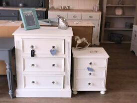 Bedroom Set (Chest of Drawers/Bedside Table)