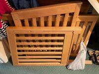 Mamas and Papas Close & Cosy bedside cot