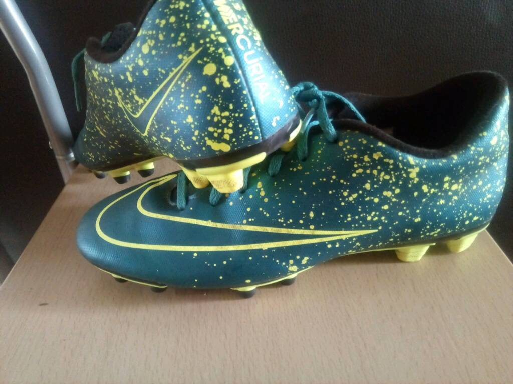 42ad3a3aa701 Nike mercurial football boots UK size 9