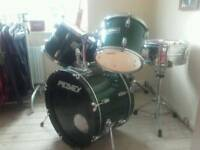 Drum shells, snare with stand,seat and pedal