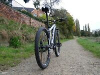 SPECIALIZED Rockhopper M4.Perfect W Order.27sp, ONLY 26 lbs. V comfortable, Hydraulic brakes.