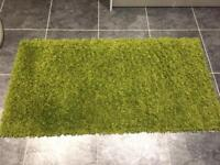 X2 green rugs, excellent condition, smoke and pet free house