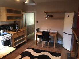 Room to let in stunning house share