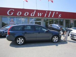 2009 Volvo V50 2.4i! CLEAN CARPROOF! HEATED LEATHER SEATS!