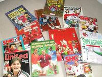 Manchester United Memorabilia, annuals in mint condition from late 90's and early 2000.