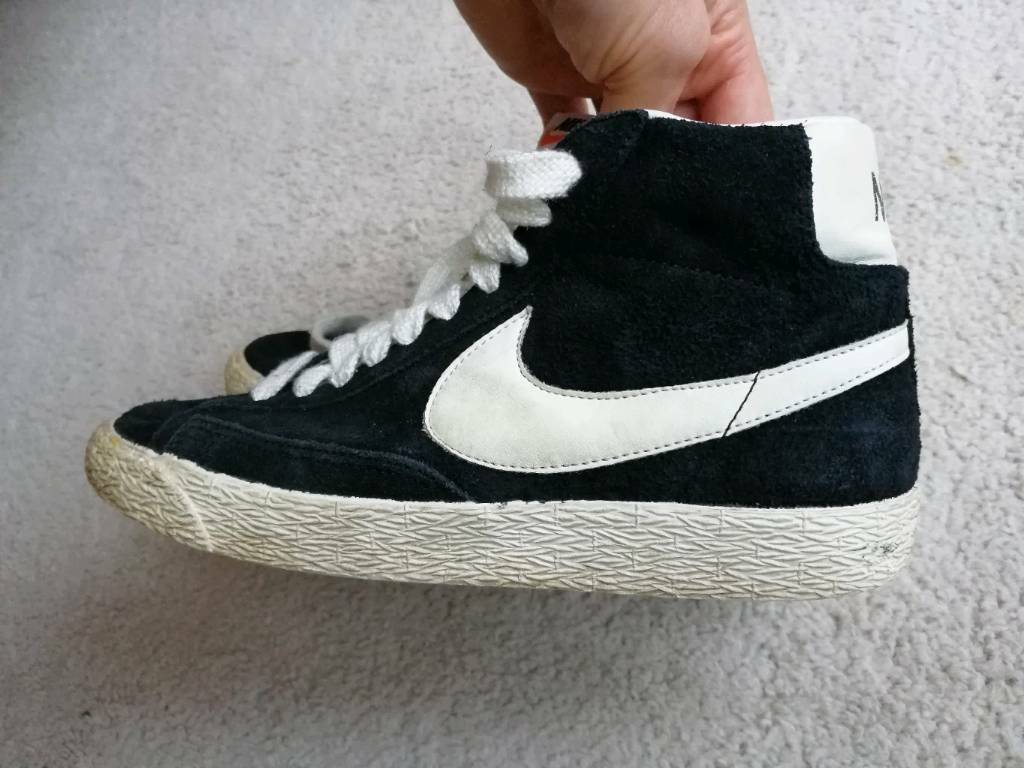 922edad23cb0 Nike Unisex high tops shoes size 3.5