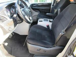 2011 Chrysler Town and Country Cambridge Kitchener Area image 11
