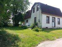 COTTAGE/HOME IN LAPASSE ONT, JUST 30 MINUTES TO PEMBROKE