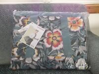 Gorgeous Matching Reisenthel Weekend Holdall and Wash/Cosmetic Bag, Brand New with Tags