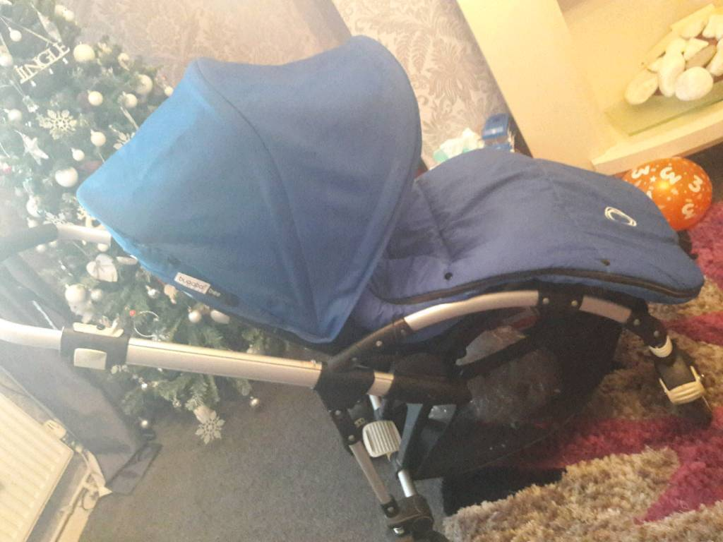 Bugaboo bee plus short strap 2 button fold.