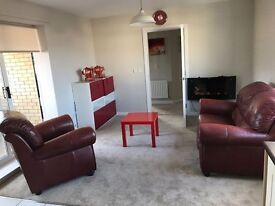 immaculate 2 bedroom flat *DO NOT MISS *