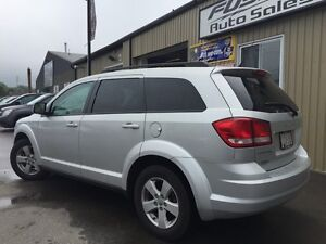 2011 Dodge Journey 1 OWNER OFF LEASE-ALLOY WHEELS-5 PASS-LOADED Windsor Region Ontario image 3