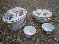 """ROYAL DOULTON """"EVESHAM"""" VARIOUS BITS OF TABLE WARE NEVER BEEN USED."""