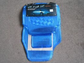 Universal set of 4 Car Mats in Electric blue