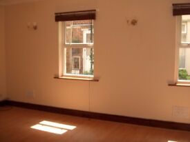 2 BEDROOM GROUND FLOOR SPACIOUS SOUTHSEA FLAT 5 MINS FROM BEACH/SHOPPING CENTRE