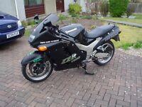 Kawasaki ZZR1100 D1 Model 1 Year Mot