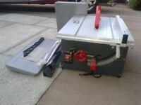 Portable rip/crosscut table saw in mint condition, 240V