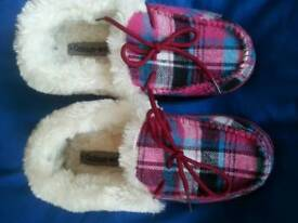 Slippers New No box
