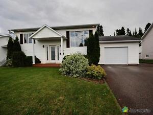 276 000$ - Bungalow à vendre à Chicoutimi Saguenay Saguenay-Lac-Saint-Jean image 2