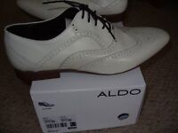 Gents Cream Shoes by Aldo Size 9/43