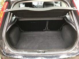 Ford Focus style climate, Black , 2007 reg , 1.2, Bluetooth , aircon, rear parking sensors, 12m MOT