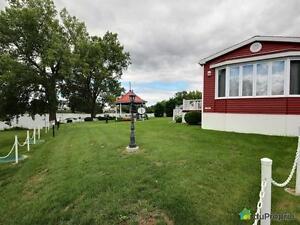 298 000$ - Maison modulaire à vendre à St-Denis-sur-Richelieu Saint-Hyacinthe Québec image 1