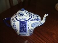 Blue/White Elephant Teapot