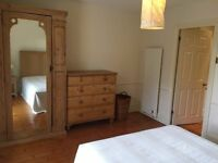 *AWE-INSPIRING DOUBLE ROOMS IN LADBROOKE GROOVE