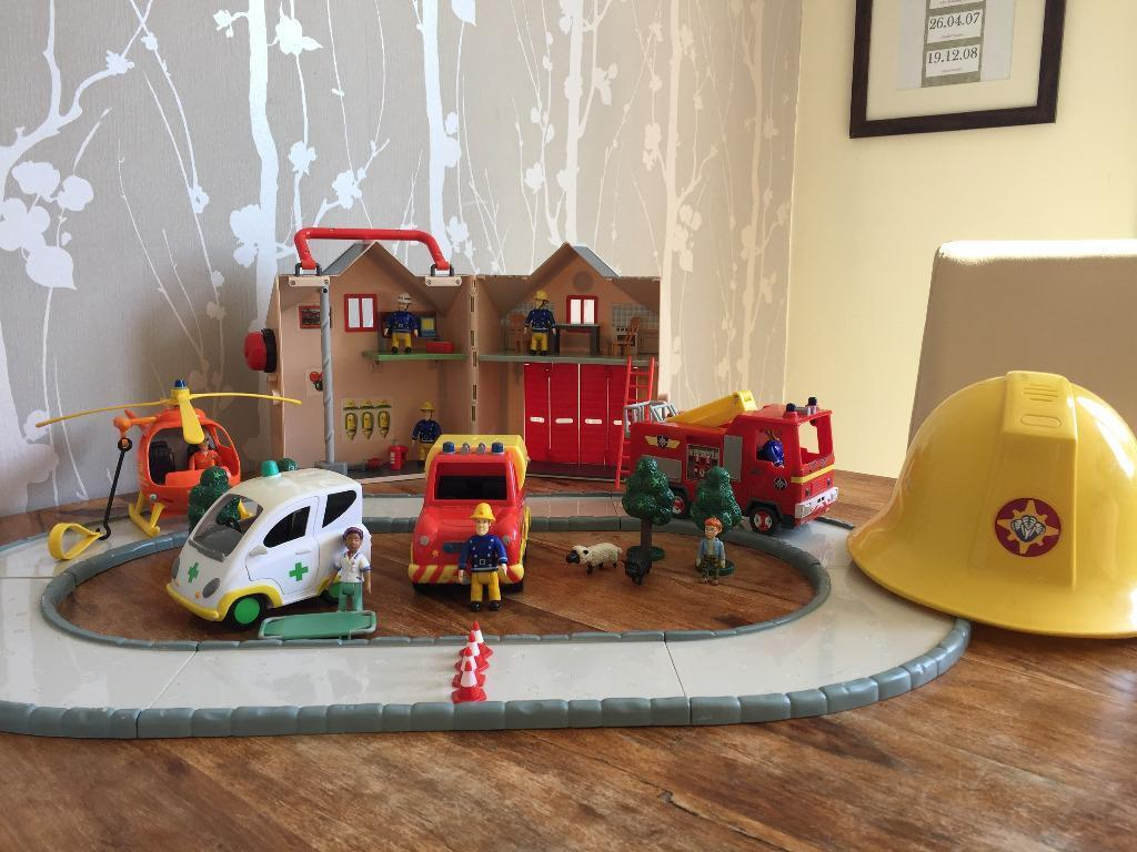 Sam Toys Station Fireman Sam Toys Bundle