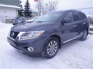 2014 Nissan Pathfinder SL | Leather | Bluetooth | Backup CAM