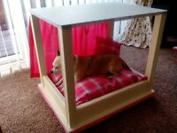 Four poster dog or cat bed
