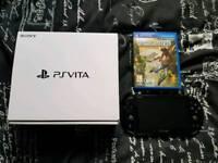 PS VITA Wifi 16gb in original box and game.
