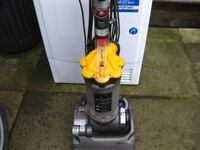 dyson dc33 vaccume cleaner
