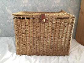 Extra Large Seagrass Basket box hinged lid