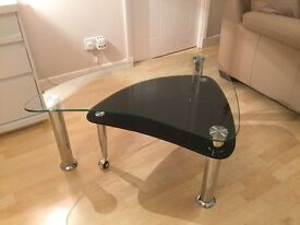 Modern Glass Coffee Table with pull-out extension