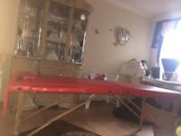 Fold up massage table