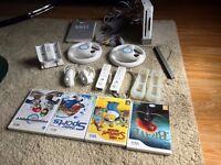 White Nintendo Wii console + Accessories + Games!