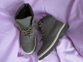 Beige walking boots - size 6, ex condition, worn twice only