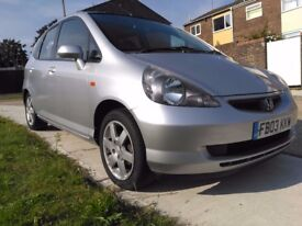 Honda Jazz 2003 ,Long MOT ,Expire on 4 On December 2018 .
